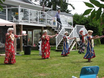 The Hawaiian Dancers at the Nielsen Picnic